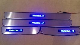 Светодиодные накладки на пороги Mazda 3 2003-2008