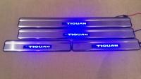 Светодиодные накладки на пороги Volkswagen Tiguan 2008- тип 2