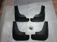 Оригинальные брызговики на Mazda 3 Sport 2011