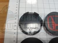 Ступичные колпачки ЦО Honda черно-красные 68 мм черные (Цена за 4шт)
