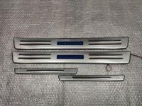 Светодиодные накладки на пороги Toyota Highlander 2008-2013