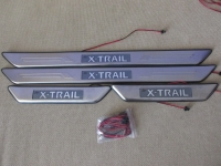 Светодиодные накладки на пороги Nissan X-trail c 2007-2013