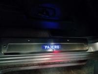 Светодиодные накладки на пороги Mitsubishi PaJero 4 IV 2006-2012