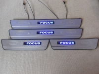 Светодиодные накладки на пороги Ford Focus II 2004 - 2011