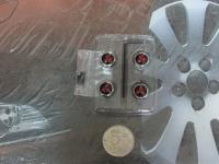 Антивандальные колпачки на ниппеля для Mitsubishi