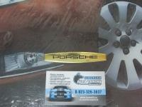 Алюминиевый Шильдик с клеевой основой  для автомобилей Porsche