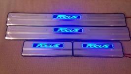Светодиодные накладки на пороги Ford Focus 3 Тип 2